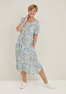 Adini Kayla lightweight dress with short sleeves in posy print